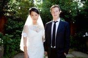menikahnya pendiri facebook