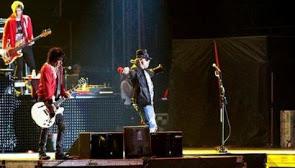 gunsn roses konser jakarta 2012
