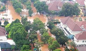 2013-banjir-jakarta_10