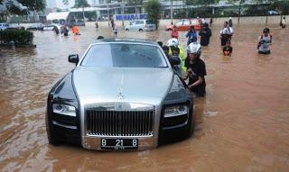 2013-banjir-jakarta_11