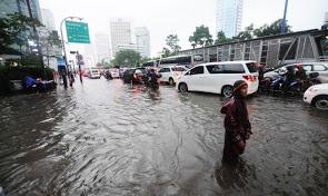 2013-banjir-jakarta_2