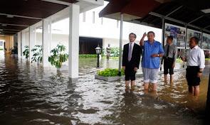 2013-banjir-jakarta_3