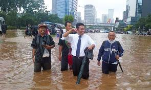 2013-banjir-jakarta_4