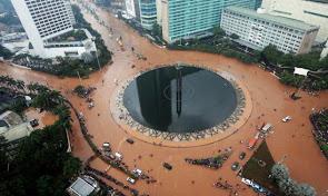2013-banjir-jakarta_9