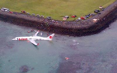 Pesawat Lion Air jatuh