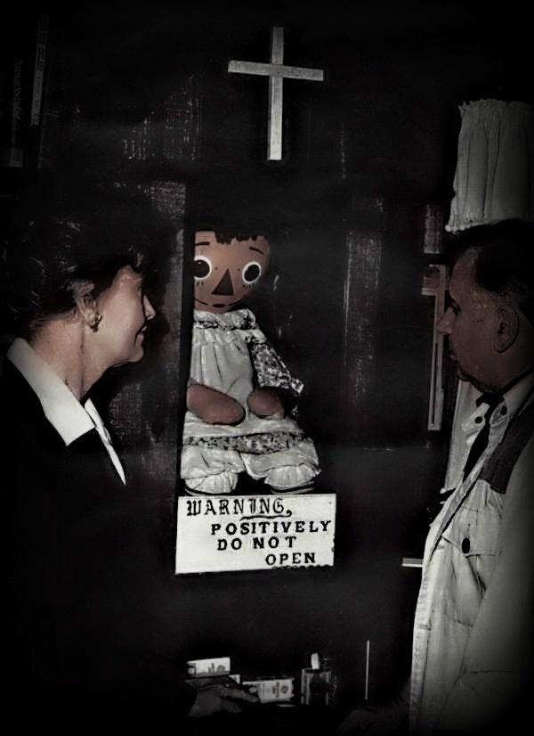boneka setan annabelle