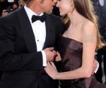 Brad pitt and Angelina Jolie Menikah