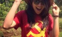 Anindya Kusuma Putri pakai Kaos Gambar Arit dan Palu