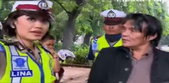 Mantan Anggota DPR debat dengan Polwan Saat ditilang
