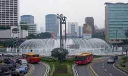 Larangan Motor Melintasi Bundaran Hotel Indonesia (HI)